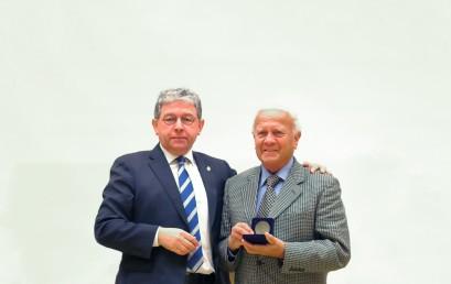 Homenaje al académico Luis Guzmán Molina